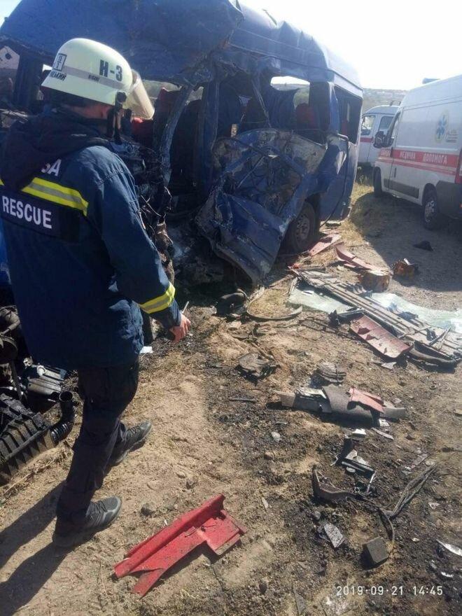 Страшное ДТП под Одессой унесло жизни 9 человек: фото «ада»