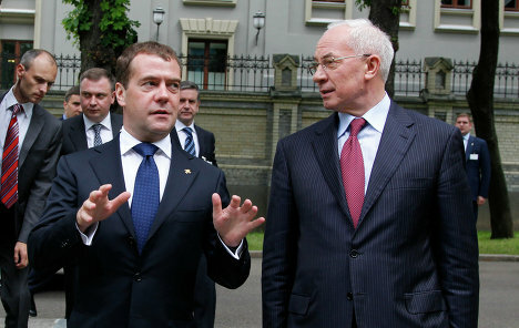 Азаров и Медведев обсуждают вопросы газового сотрудничества