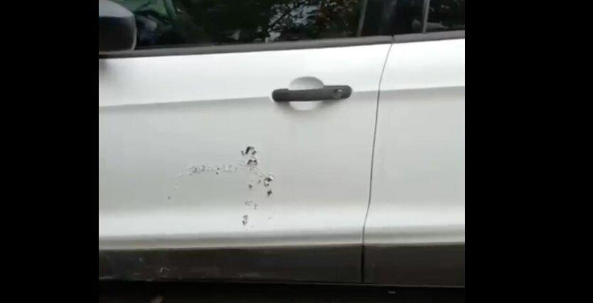 Авто обливают кислотой в киеве