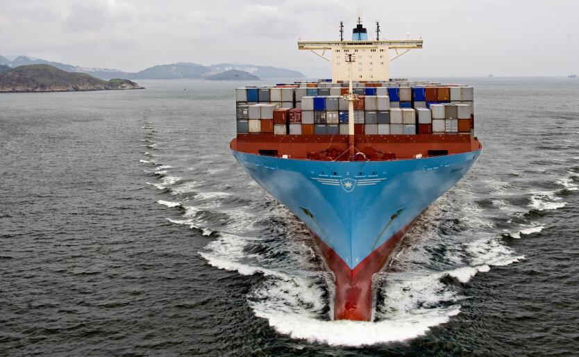 уход из порта корабля