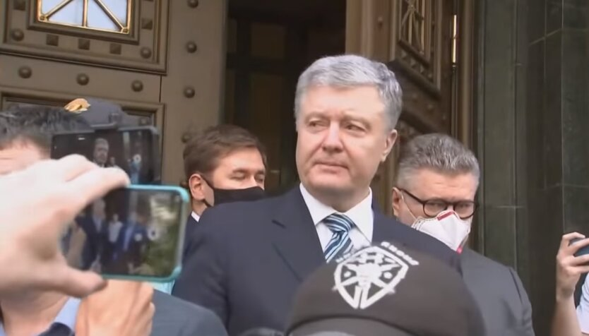 Петр Порошенко, подозрение ГБР, адвокат Илья Новиков
