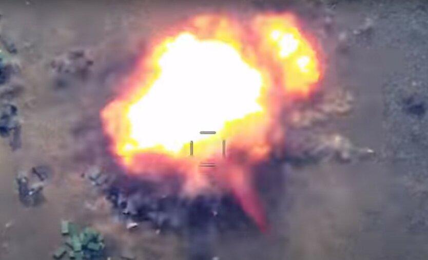 Азербайджан опубликовал новое видео ударов с дронов