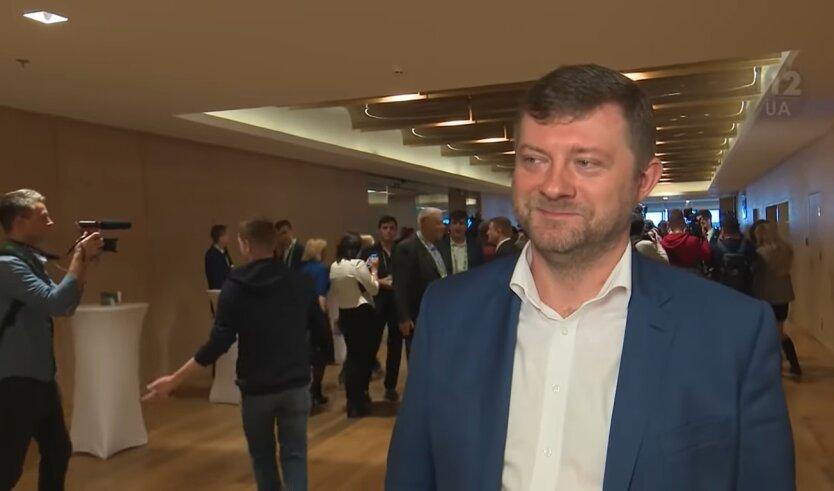 Александр Корниенко, Слуга народа, конкуренция с Петром Порошенко