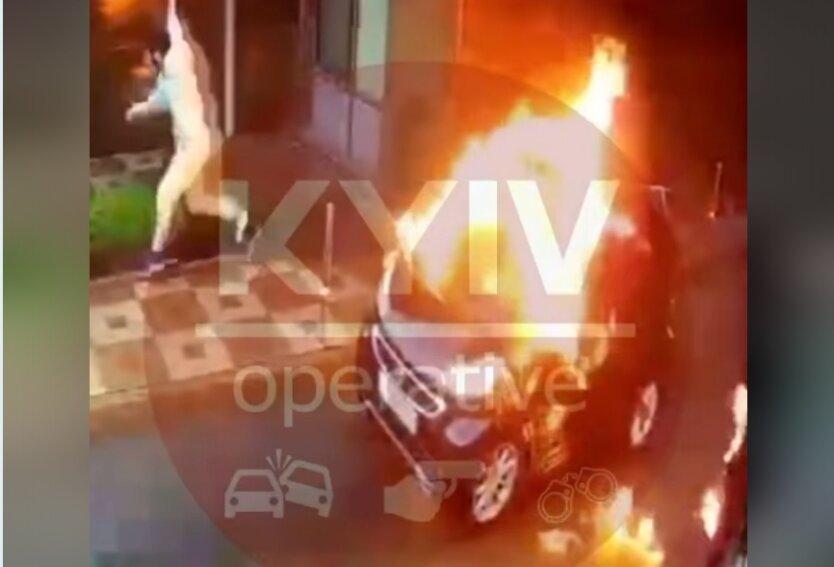 Киев, стрельба, поджог авто