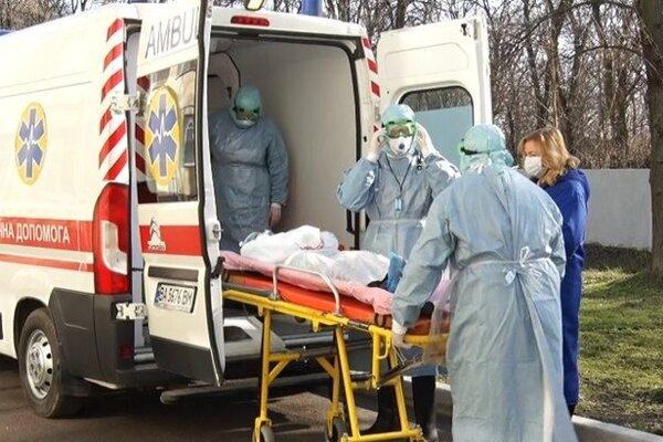 Во Львове госпитализировали 24 человека с подозрением на коронавирус