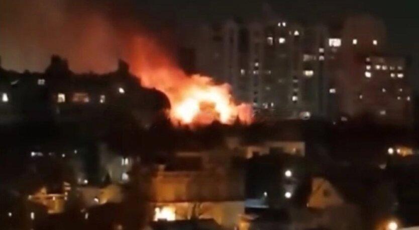Пожар в Одессе, горит жилой дом