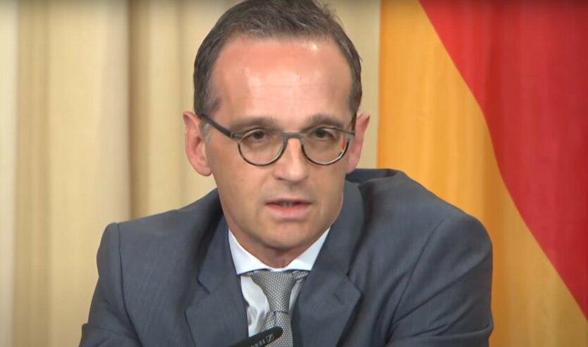 """В Германии назвали отношения с Трампом """"сложными"""""""