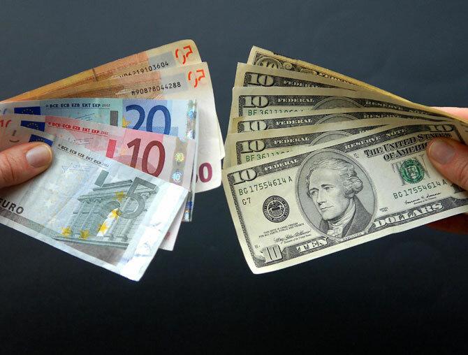 обмен валют, доллар, евро