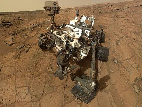 Марсоход потерял связь с Землей до мая