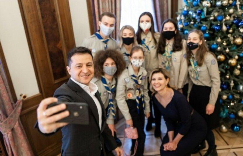 Скандал с Вифлеемским огнем для Зеленского: скауты оказались пионерами