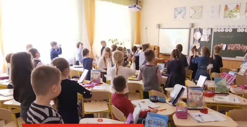 Школьники, норовирус, киевская гимназия