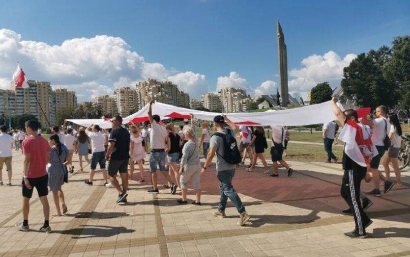 В Минске проходит масштабный протест против Лукашенко: фото, видео