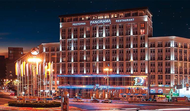 Приватизация отеля «Днепр» как апофеоз некомпетентности команды Сенниченко