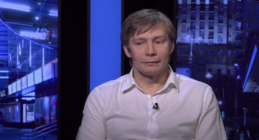 Даниил Монин