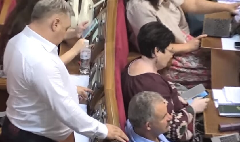 """Кнопкодавство"""