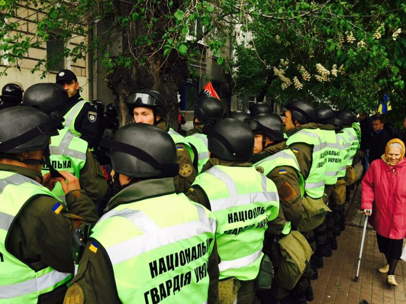 полиция демонстрация, День победы