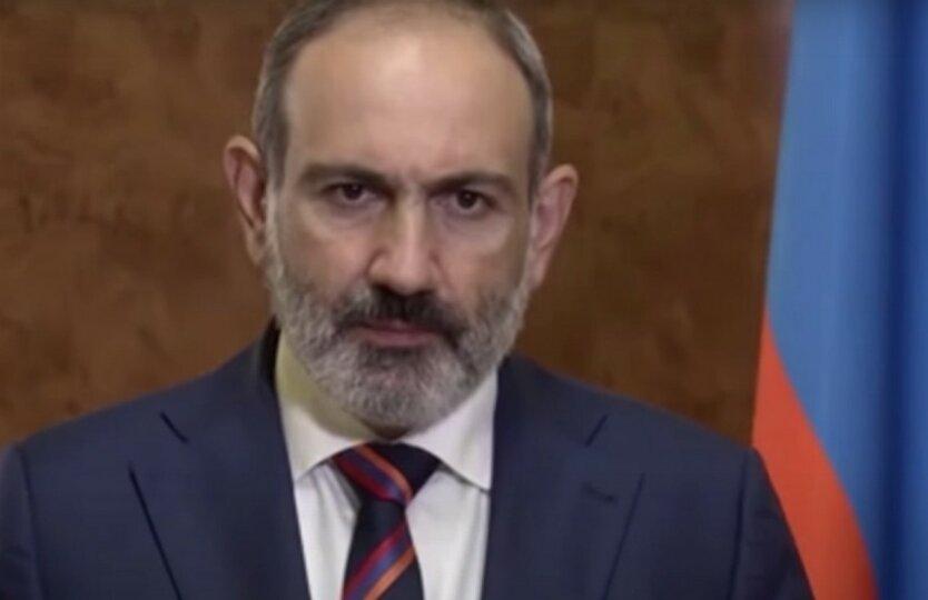 Пашинян признал невыгодным для Армении трехстороннее соглашение по Карабаху