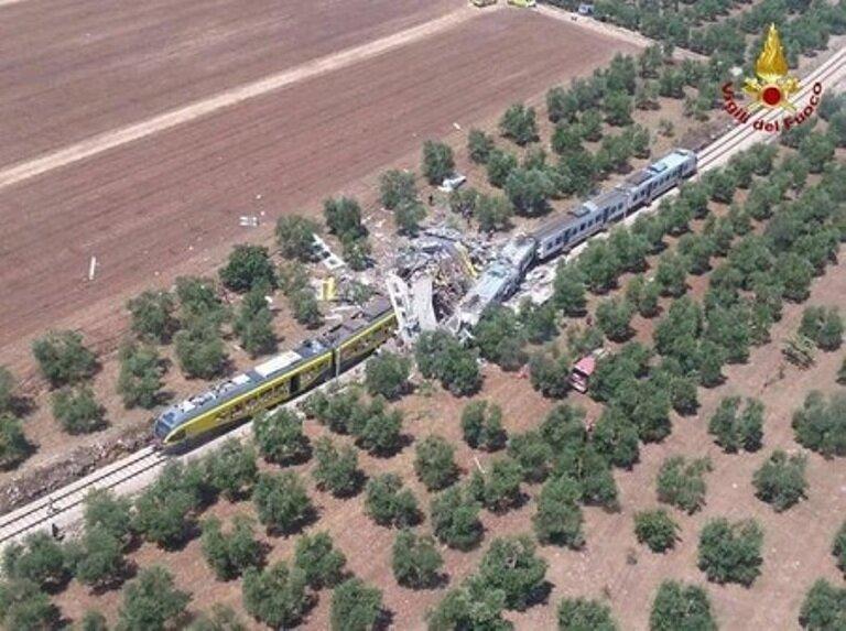 столкновение поездов_Италия