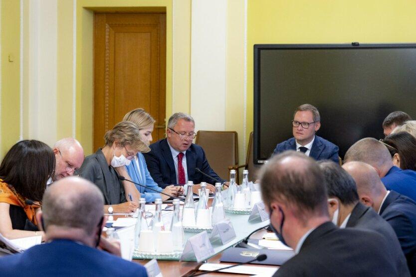Встреча в Офисе президента, судебная реформа в Украине, послы G7