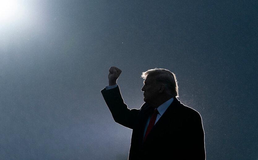 В поисках утерянного доверия: почему расцветают культы политических вождей