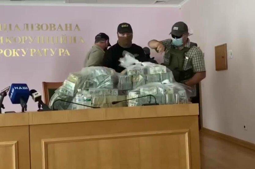 """Сытник и Холодницкий рассказали о """"рекордной взятке в истории Украины"""""""