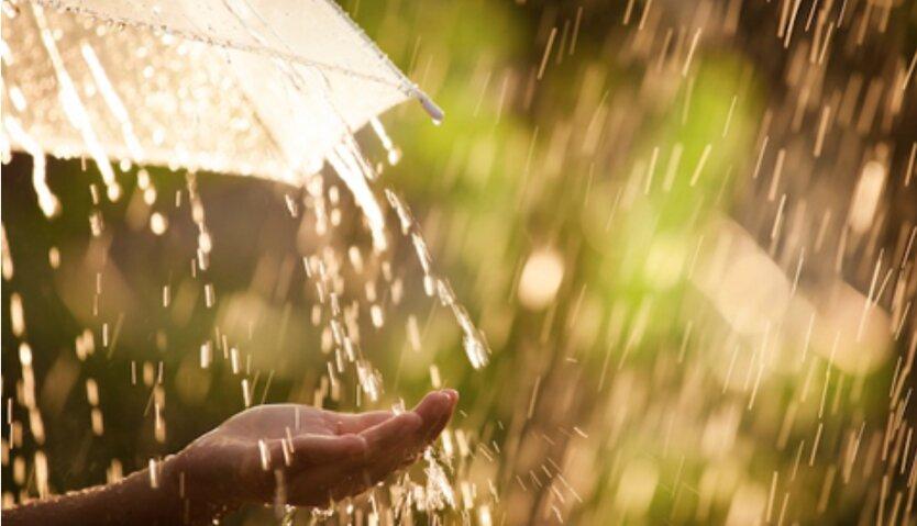 Погода в Украине резко изменится: грозовые дожди сменит летняя жара +34