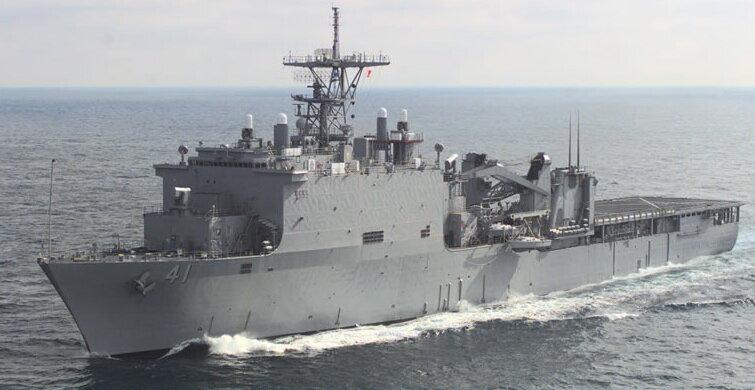американский военный корабль USS Whitbey Island LSD41