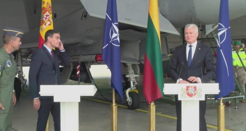 Пресс-конференцию лидеров Литвы и Испании остановили из-за вылета истребителей на перехват самолета РФ: видео