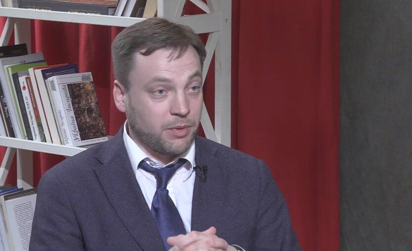 Председатель правоохранительного комитета парламента Денис Монастырский