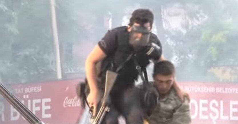 Турция, военное положение