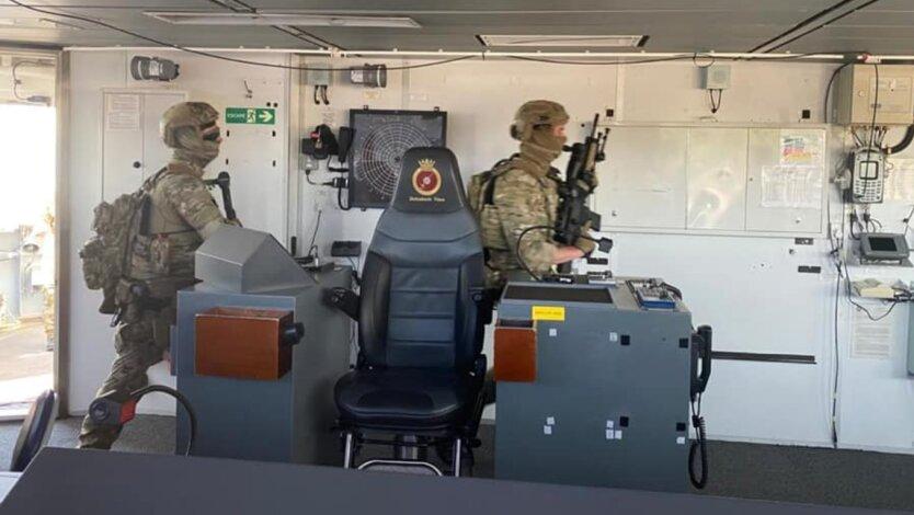 Учения с HMS Defender
