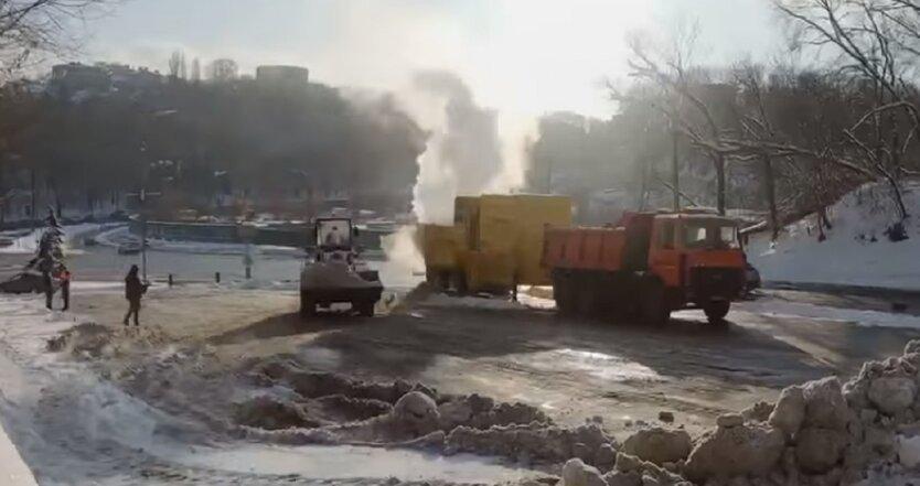 В Киеве плавят снег спецустановками