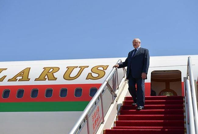 Александр Лукашенко самолет