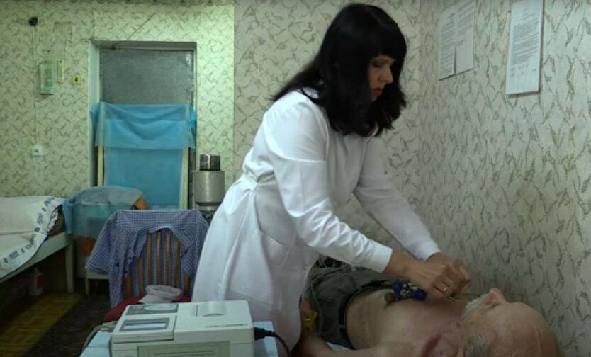 Семейным врачам повысят зарплаты