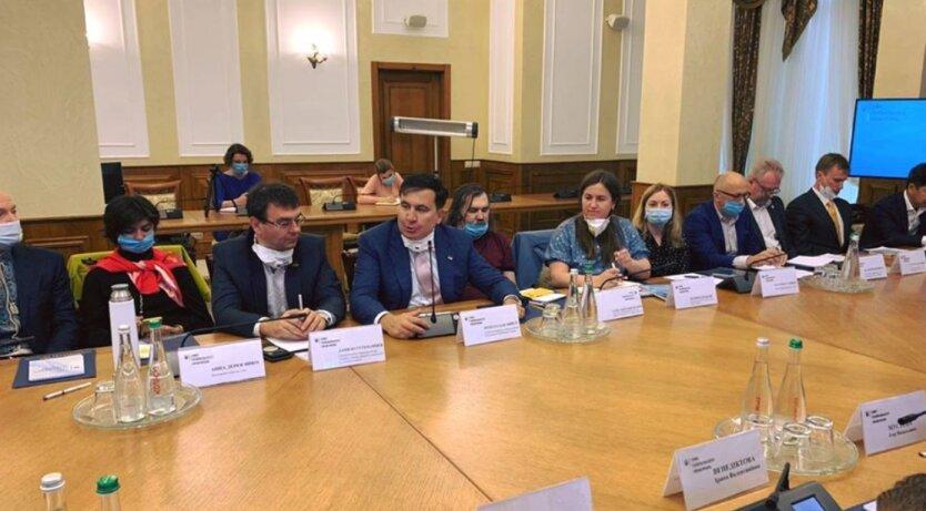 """Саакашвили рассказал о """"жестком"""" разговоре бизнеса с Венедиктовой"""