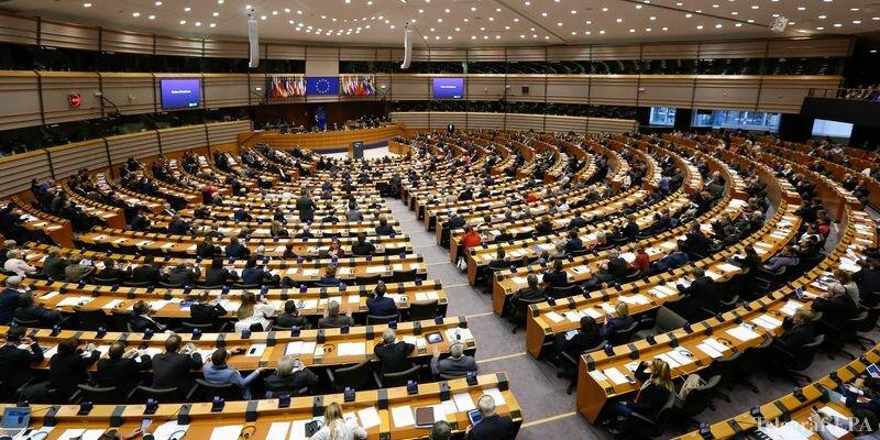 Европарламент призвал к отставке генсека Еврокомиссии