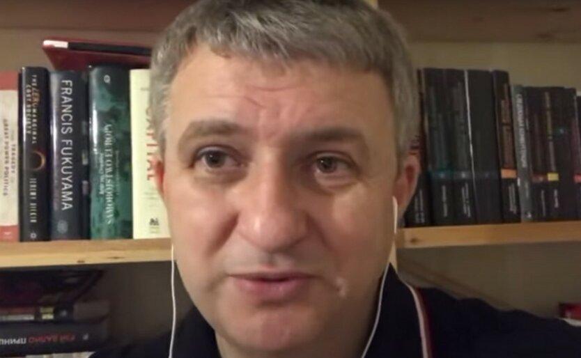 """Романенко рассказал, как Зеленский загнал себя в """"смысловой тупик"""""""