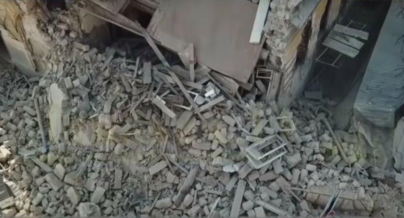 В Одессе рухнула часть жилого дома: ищут пострадавших