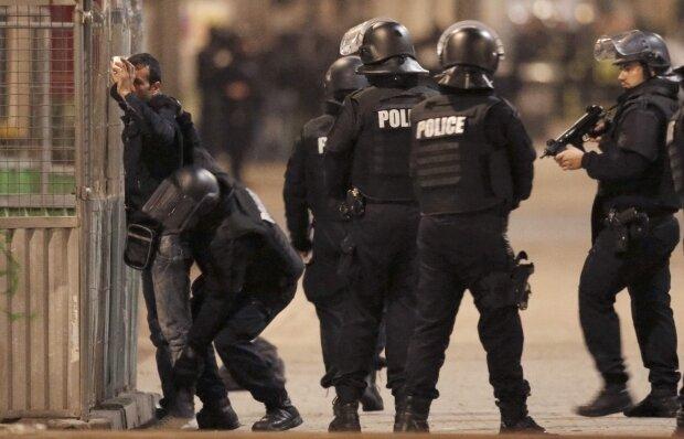 терористы и полицейские французские