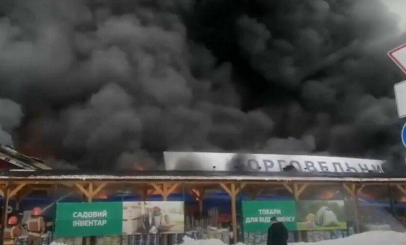 В сети появилось видео начала пожара в Эпицентре