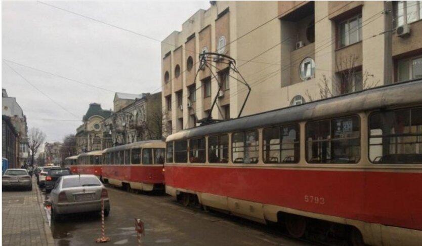 пробка трамваи