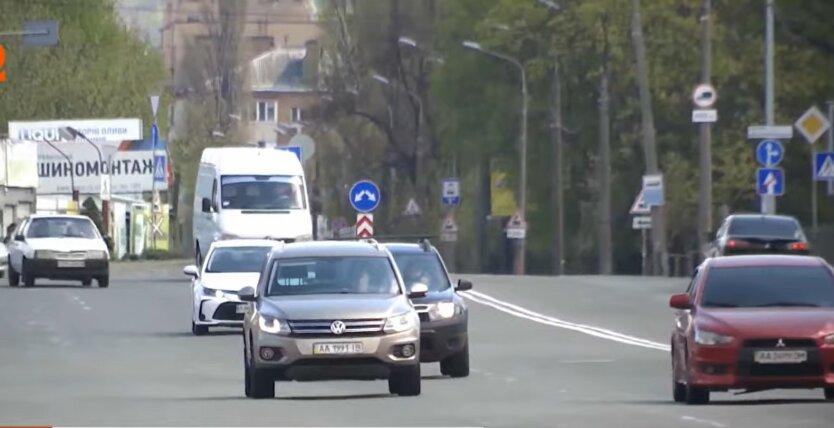 Новые правила на дорогах, украиснкие водители, включенные фары