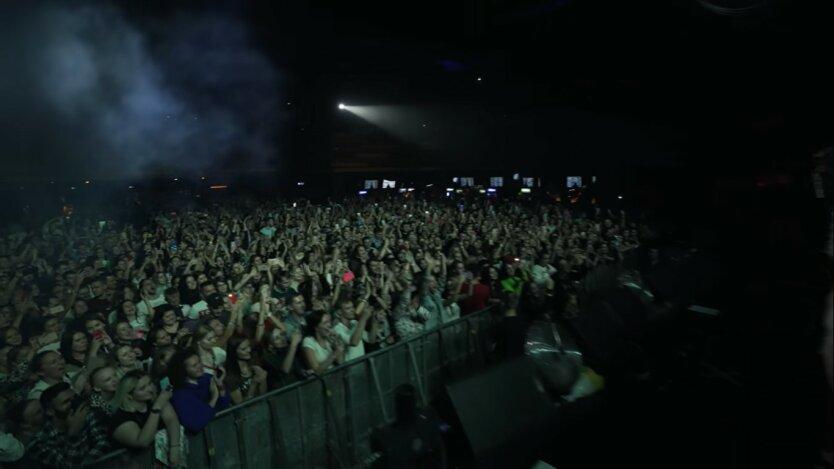 Концерты в Украине, Турне «HERE TO LOVE», министр здравоохранения Максим Степанов
