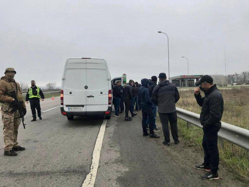СБУ задержала автобусы с титушками на Харьковщине