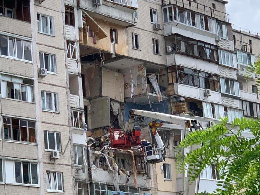Взрыв в доме на Позняках. Фото - Владислав Сердюк