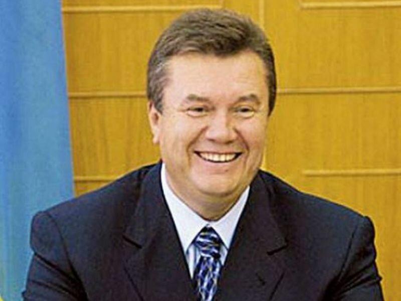 Янукович напомнил пенсионерам, что сказок в жизни не бывает