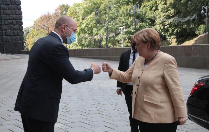 Денис Шмыгаль и Ангела Меркель