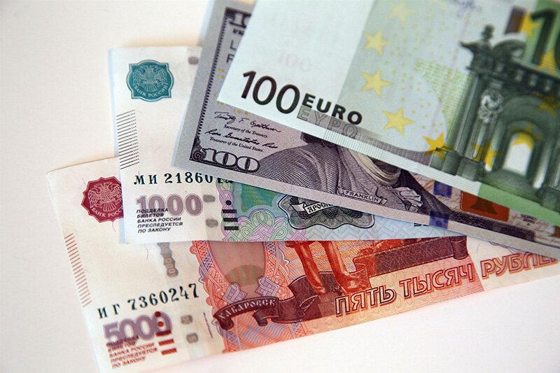 рубли_доллары_евро