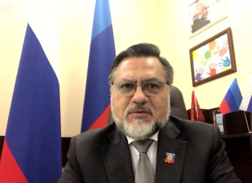 Один из лидеров боевиков «ЛНР» получил российское гражданство: фото