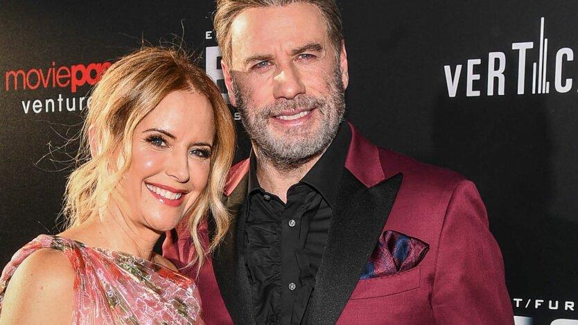 Джон Траволта с женой Келли Престон